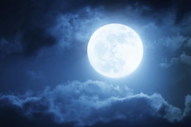 13-fascinantes-curiosidades-sobre-la-Luna-llena-que-debes-conocer-ya-mismo